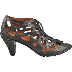 Gentle souls okey dokey leather heels size 9.5